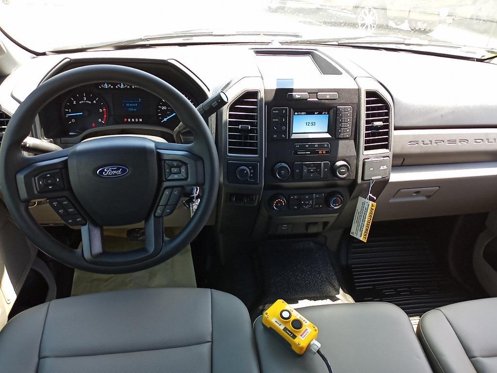 2021 Ford F-550 Crew Cab DRW 4x4, PJ's Landscape Dump #GD10356 - photo 27