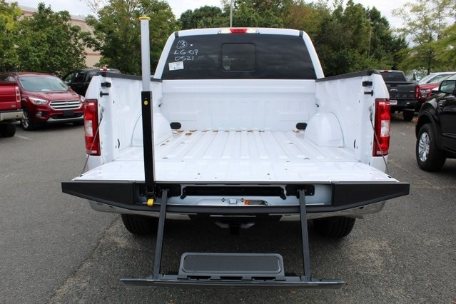 2019 F-150 SuperCrew Cab 4x4, Pickup #GD50521 - photo 6