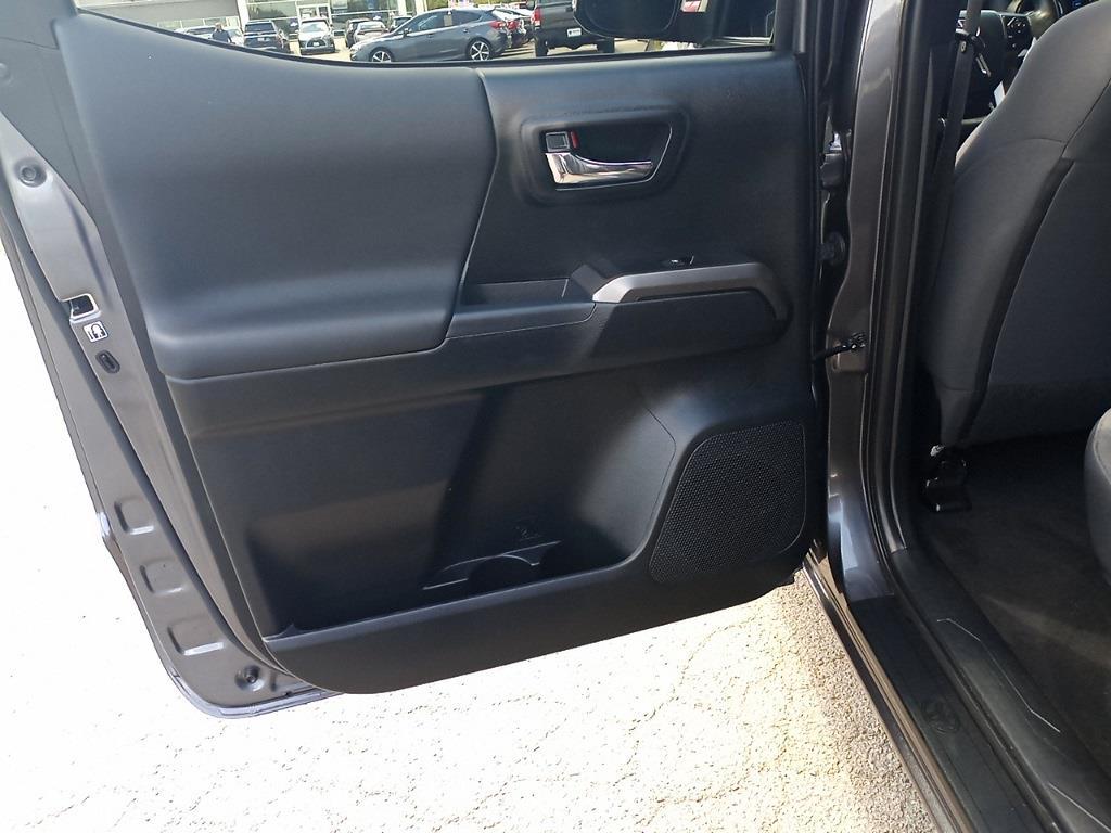 2017 Toyota Tacoma Double Cab 4x4, Pickup #GZP9452 - photo 23