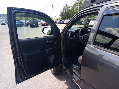 2017 Toyota Tacoma Double Cab 4x4, Pickup #GZP9452 - photo 19