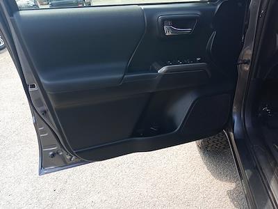 2017 Toyota Tacoma Double Cab 4x4, Pickup #GZP9452 - photo 20