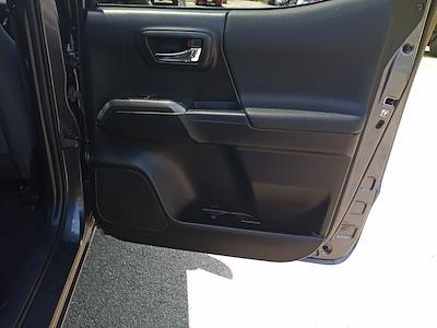 2017 Toyota Tacoma Double Cab 4x4, Pickup #GZP9452 - photo 32