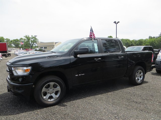 2019 Ram 1500 Crew Cab 4x4,  Pickup #528507 - photo 1