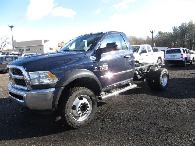 2017 Ram 5500 Regular Cab DRW 4x4, Cab Chassis #591433 - photo 3