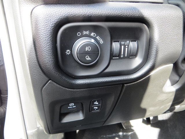 2019 Ram 1500 Crew Cab 4x4,  Pickup #630554 - photo 11
