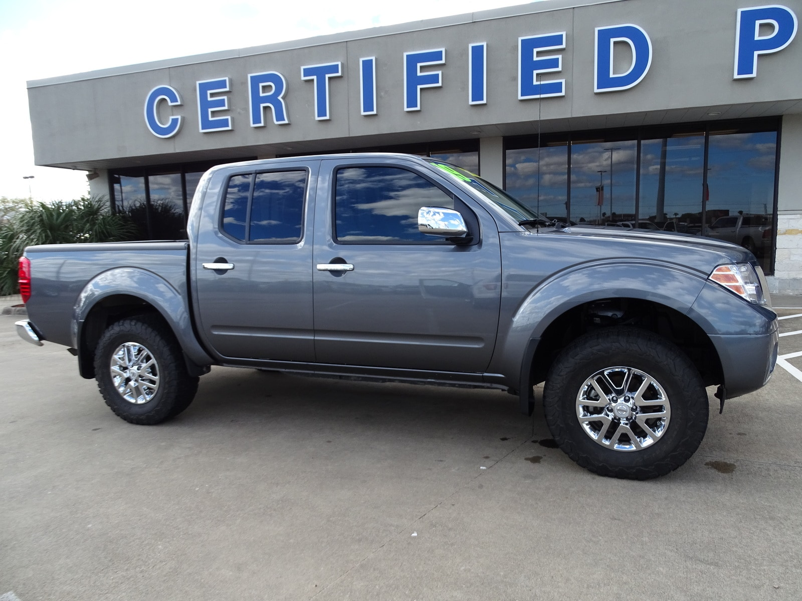 2019 Nissan Frontier Crew Cab 4x4, Pickup #82186A - photo 1