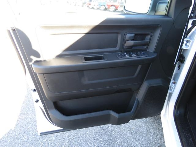 2019 Ram 1500 Crew Cab 4x2,  Pickup #62047 - photo 17