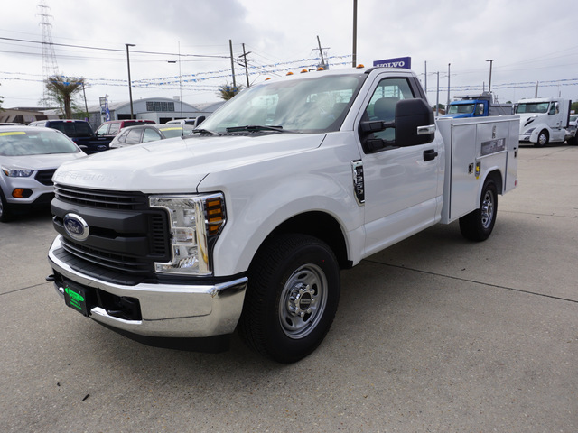 2018 F-250 Regular Cab 4x2,  Reading Service Body #11872 - photo 4