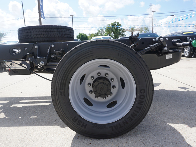 2018 F-550 Regular Cab DRW 4x2,  Cab Chassis #11934 - photo 4