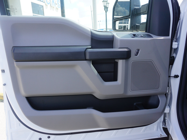 2018 F-550 Regular Cab DRW 4x2,  Cab Chassis #11934 - photo 6