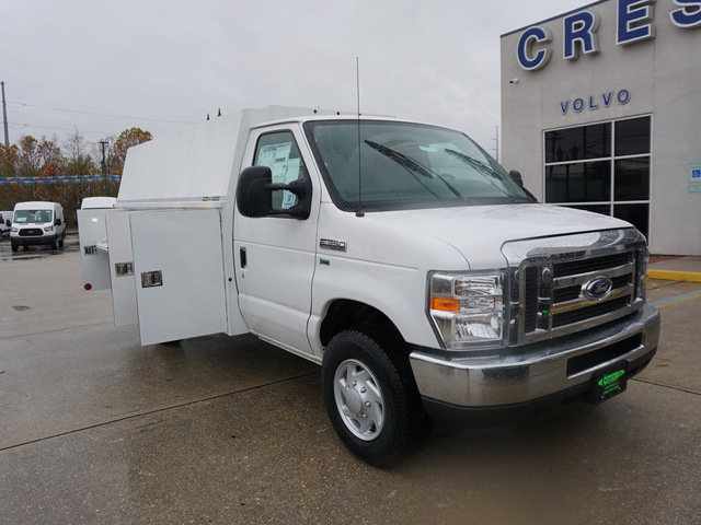2018 E-350 4x2,  Reading Service Utility Van #12136 - photo 3