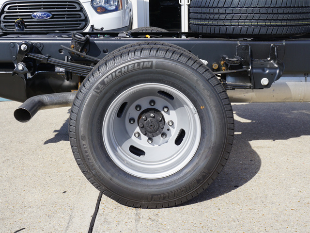 2019 F-350 Regular Cab DRW 4x2,  Cab Chassis #12165 - photo 4