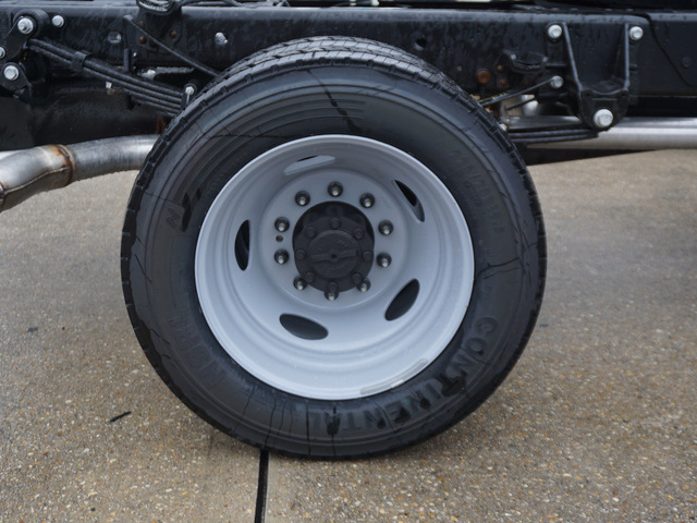 2019 F-550 Regular Cab DRW 4x2,  Cab Chassis #12201 - photo 4