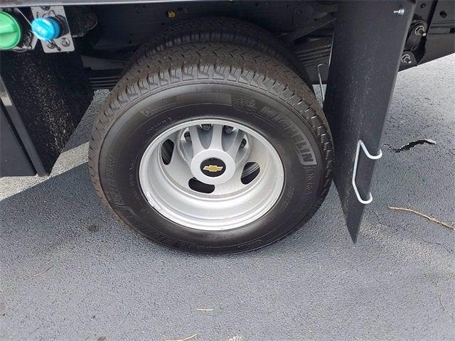 2021 Chevrolet Silverado 3500 Crew Cab 4x4, Contractor Body #9760 - photo 6