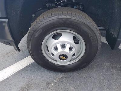 2021 Chevrolet Silverado 3500 Crew Cab 4x4, Contractor Body #9760 - photo 5