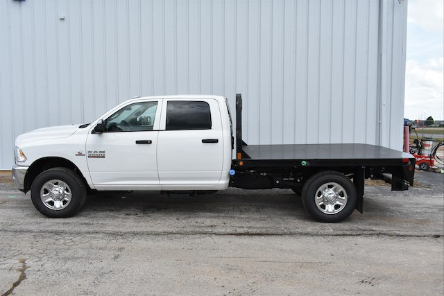 2017 Ram 3500 Crew Cab 4x4, Platform Body #21585 - photo 4
