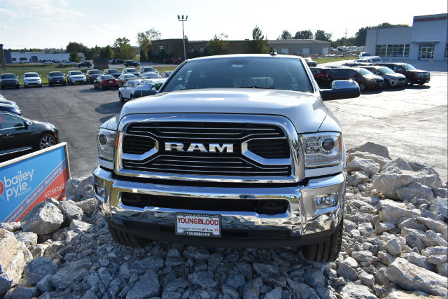 2017 Ram 3500 Crew Cab 4x4, Pickup #21593 - photo 3