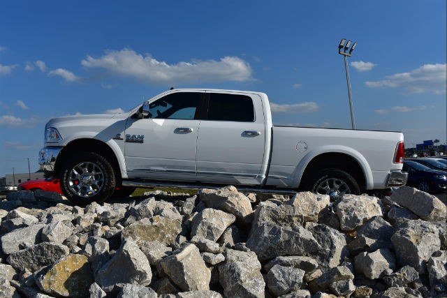 2017 Ram 3500 Crew Cab 4x4, Pickup #21593 - photo 4