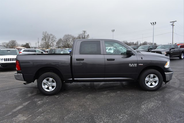 2018 Ram 1500 Crew Cab 4x4, Pickup #21904 - photo 3