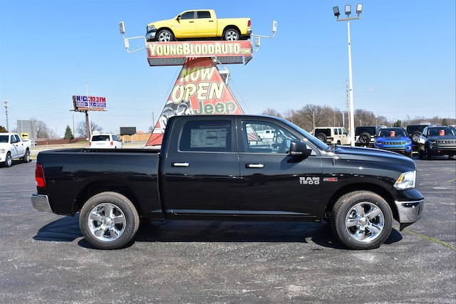 2017 Ram 1500 Crew Cab 4x4, Pickup #22033 - photo 1