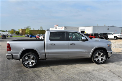 2019 Ram 1500 Crew Cab 4x4, Pickup #22407 - photo 1