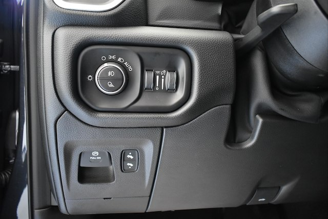 2019 Ram 1500 Crew Cab 4x4,  Pickup #22851 - photo 7
