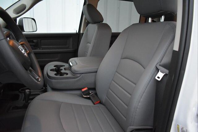 2018 Ram 3500 Crew Cab DRW 4x4,  Cab Chassis #23297 - photo 7