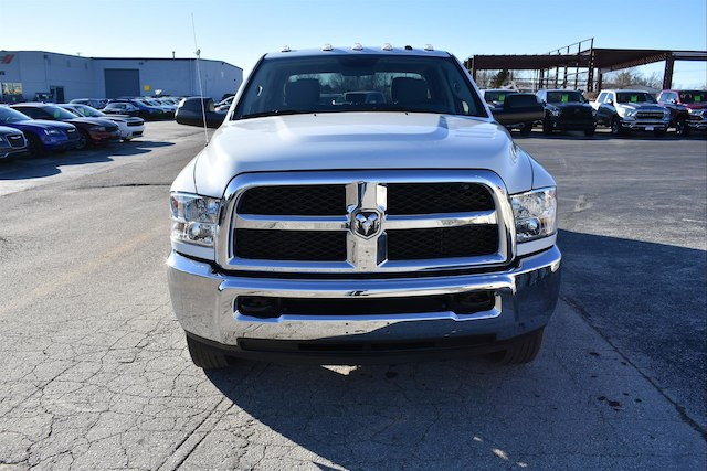 2018 Ram 3500 Crew Cab DRW 4x4,  Pickup #23304 - photo 3