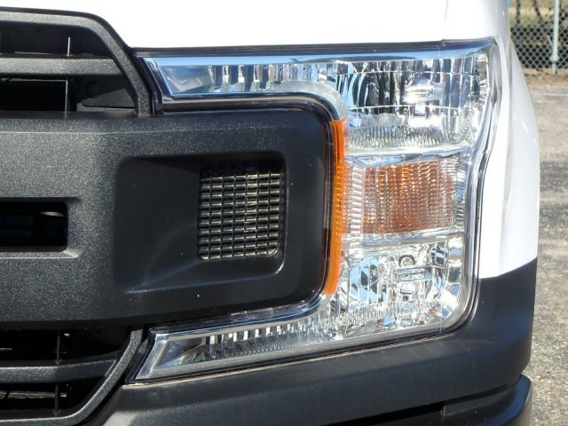 2018 F-150 Regular Cab 4x2,  Pickup #18118N - photo 4