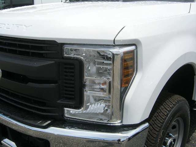 2018 F-250 Super Cab 4x4,  Reading Service Body #82361N - photo 5