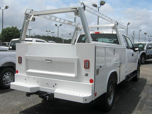 2018 F-250 Super Cab 4x4,  Reading Service Body #82361N - photo 2
