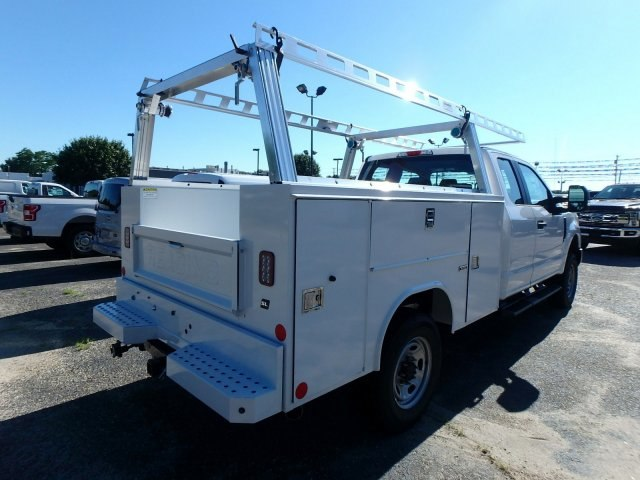 2018 F-250 Super Cab 4x4,  Reading Service Body #82362N - photo 2