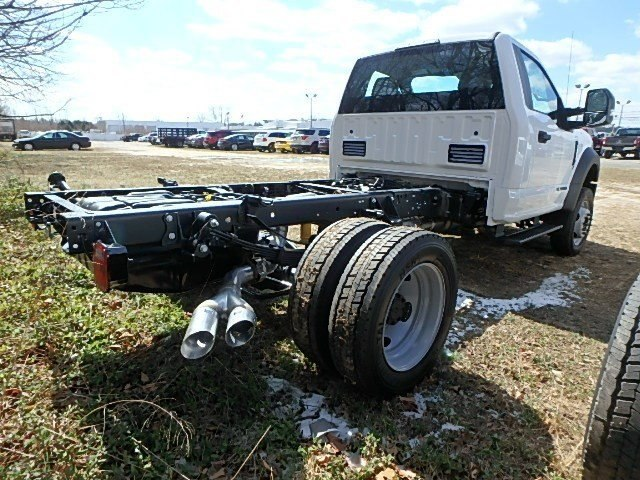 2017 F-450 Regular Cab DRW 4x4,  Duramag Dump Body #83852N - photo 2