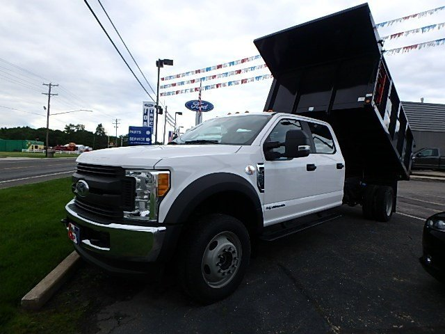 2017 F-550 Crew Cab DRW 4x4, Freedom Landscape Dump #86918N - photo 3