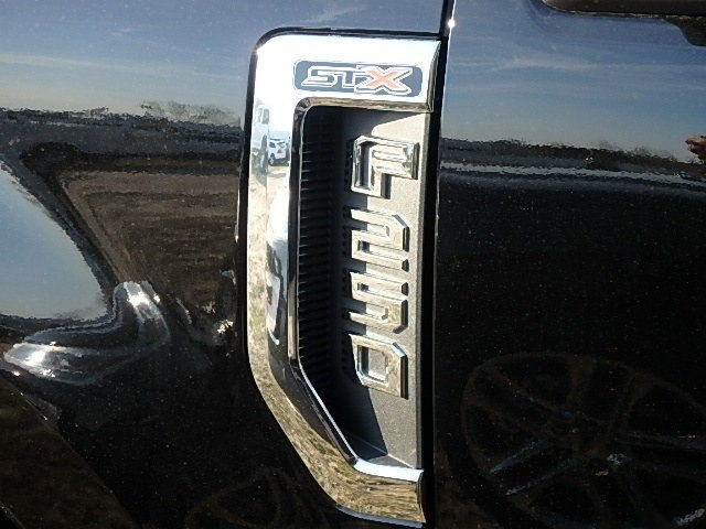 2017 F-250 Crew Cab 4x4,  Pickup #93410N - photo 5