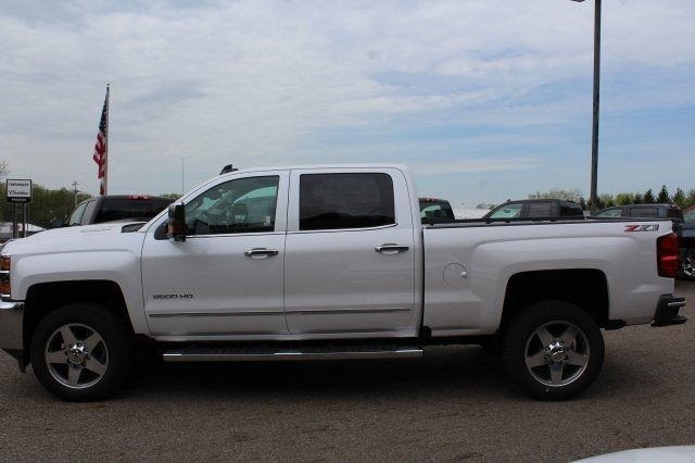 2018 Silverado 2500 Crew Cab 4x4, Pickup #218722 - photo 3