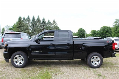 2018 Silverado 1500 Double Cab 4x4,  Pickup #218981 - photo 3