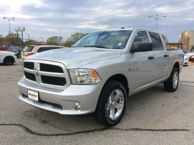 2018 Ram 1500 Crew Cab 4x4, Pickup #21877 - photo 3