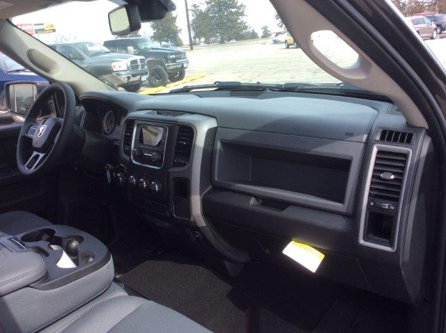 2018 Ram 1500 Crew Cab 4x4, Pickup #22041 - photo 19