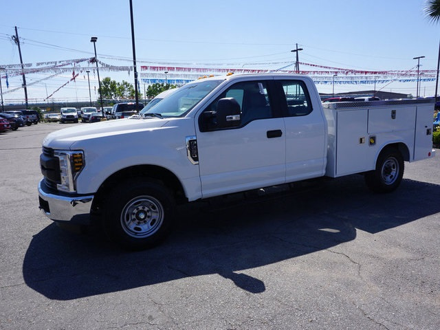 2018 F-250 Super Cab,  Reading Service Body #JEB63090 - photo 4
