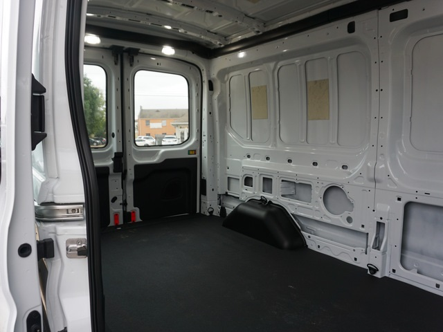 2018 Transit 250 Med Roof 4x2,  Empty Cargo Van #JKB45090 - photo 7
