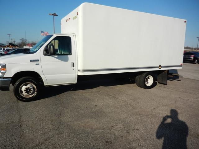 2016 Ford E-350 4x2, Unicell Cutaway Van #CM5161 - photo 1