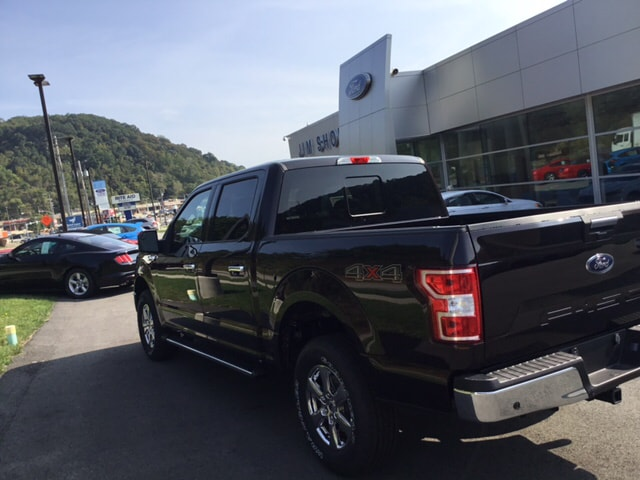 2018 F-150 Crew Cab 4x4, Pickup #5F2440 - photo 2