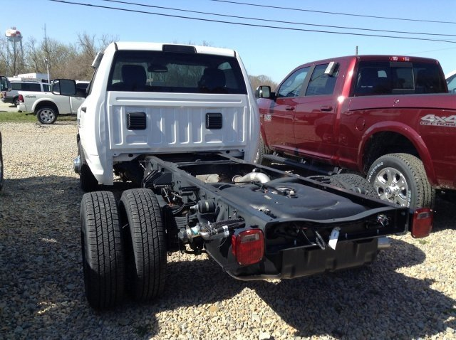 2018 Ram 3500 Regular Cab DRW 4x4,  Cab Chassis #C14945 - photo 2