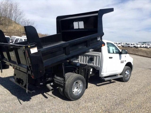 2018 Ram 3500 Regular Cab DRW 4x4, Dump Body #C15528 - photo 4