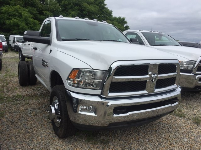 2018 Ram 3500 Regular Cab DRW 4x4,  Cab Chassis #C16077 - photo 3