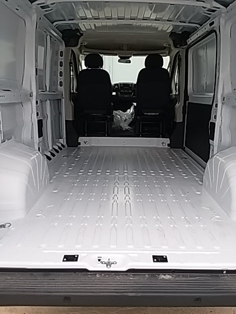 2018 ProMaster 1500 Standard Roof FWD,  Empty Cargo Van #JE120031 - photo 5