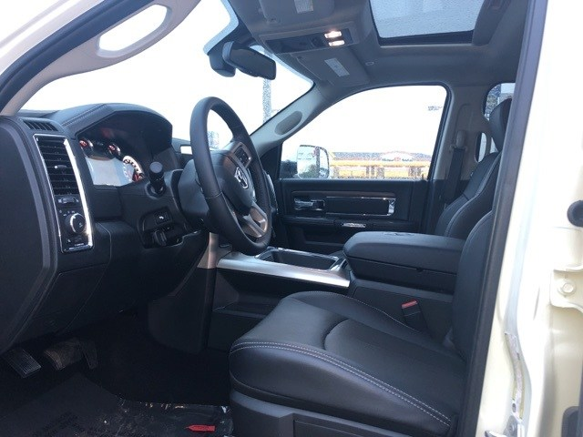 2018 Ram 3500 Crew Cab DRW 4x4,  Pickup #JG220970 - photo 4
