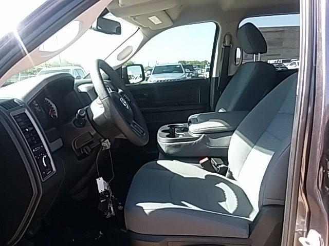 2018 Ram 1500 Crew Cab 4x2,  Pickup #JS305511 - photo 10
