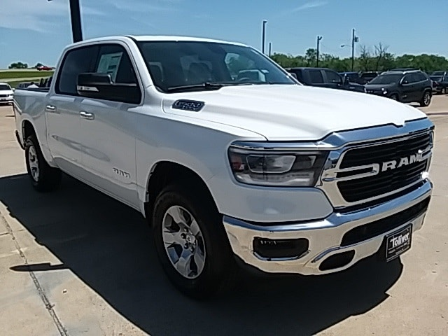 2019 Ram 1500 Crew Cab 4x2,  Pickup #KN508512 - photo 1